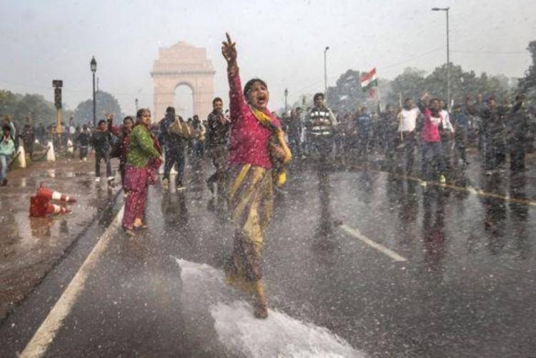 2e1ax_default_entry_india_delhi_rape_protests_dec_2012_6-2